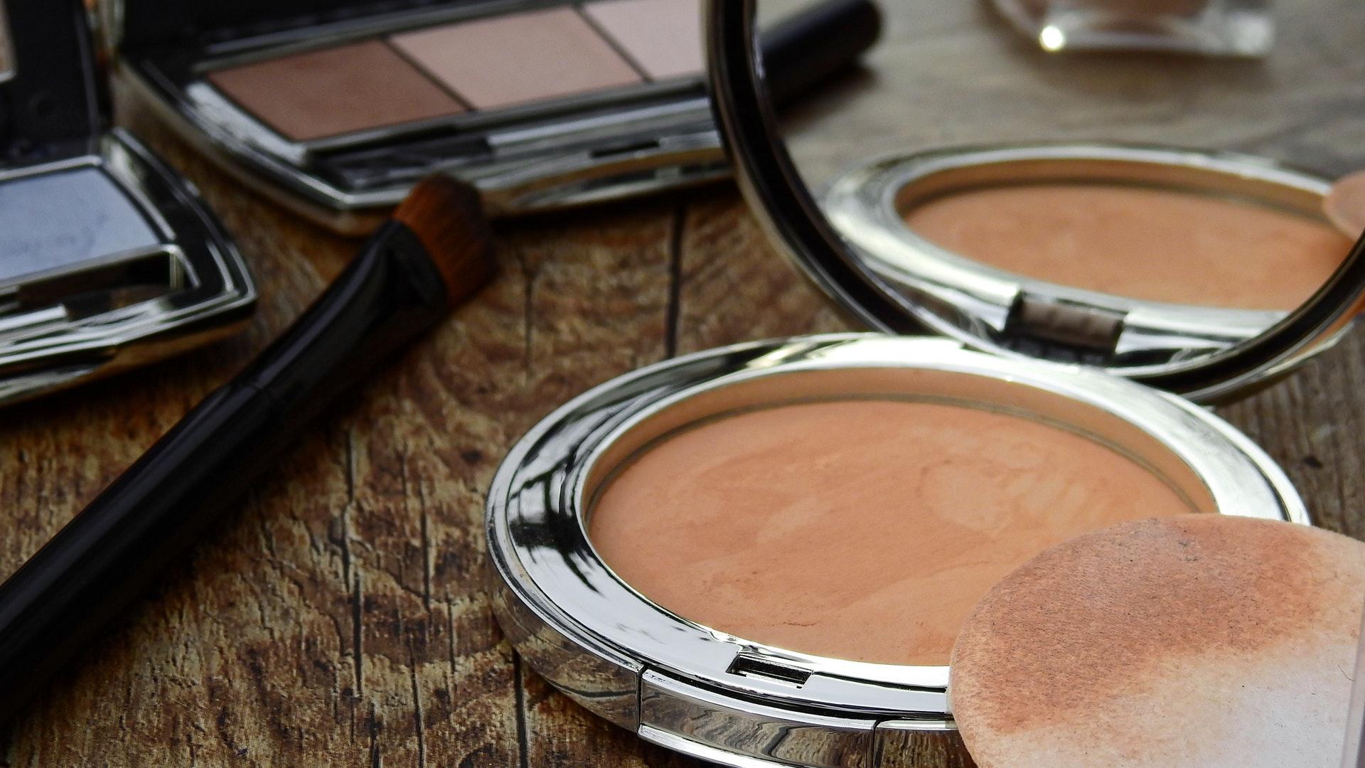 Makeup & Co.